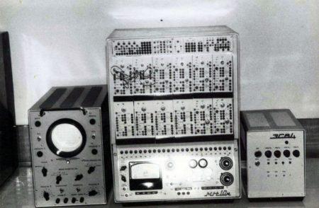 Аналогова обчислювальна машина «МН-10м»