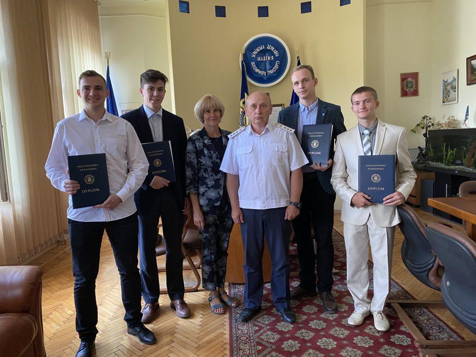 Відбулося урочисте вручення дипломів Познанської Політехніки магістрам-випускникам Українського державного університету залізничного транспорту за програмою «2 Дипломи»
