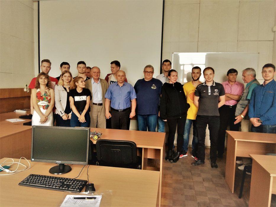 Літня практика студентів Харківського радіотехнічного технікуму на кафедрі ІТ