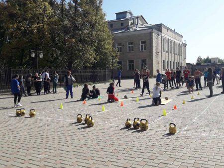 Фізкультурно-патріотичний захід з нагоди Дня захисника України «Козацькі розваги».