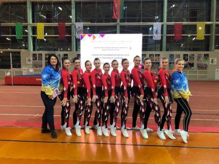 Вітаємо дівчат, членів збірної команди університету, зі спортивної аеробіки, з присвоєнням спортивного звання Майстра спорту України зі спортивної аеробіки