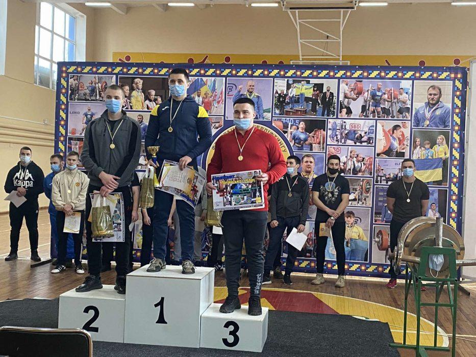 Вітаємо Глущенко Євгена (1-ІІІ-АКІТс) з І місцем у Чемпіонаті Луганської області з класичного жиму лежачи!